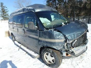 Salvage GMC Savana Passenger